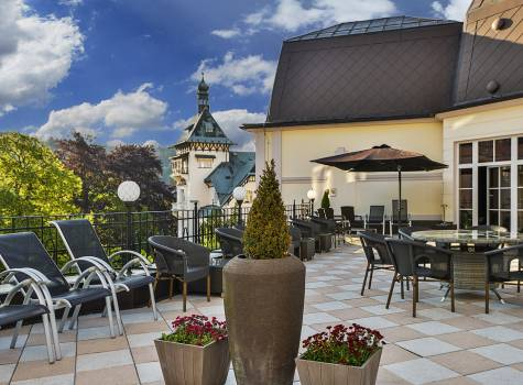 Hotel Continental - hotel-continental-marienbad-terrace-summer-01