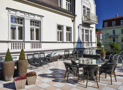 Hotel Continental - hotel-continental-marienbad-terrace-summer-05