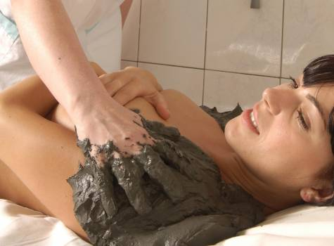 Hotel Vietoris - Mud pack - woman.JPG