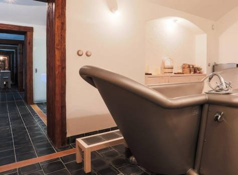 Spa Boutique hotel Löwenstein - hotel-lowenstein-garni-wellness-05.-w1700-h900-p0-q85-F-----S1-c1