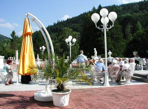 Radium Palace  - Radium Palace_Cafe terrace.jpg