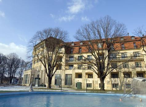 Thermia Palace  - Thermia Palace-winter pool2.jpg