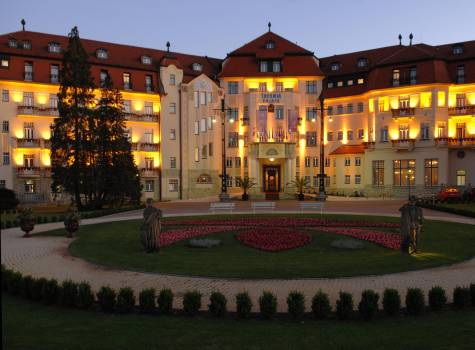 Thermia Palace  - Thermia Palace-evening.jpg