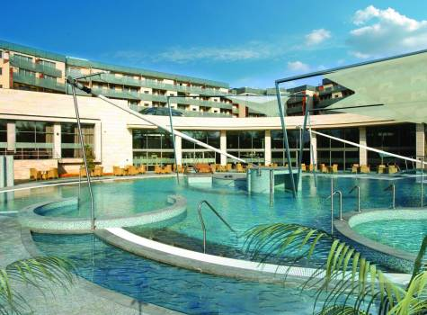 Spirit Hotel***** - spirit-outdoor-pool.jpg