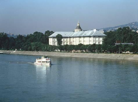 Hotel Grand Margaret Island