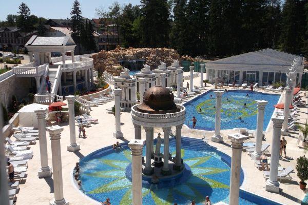 Aphrodite Palace na míru s polopenzí